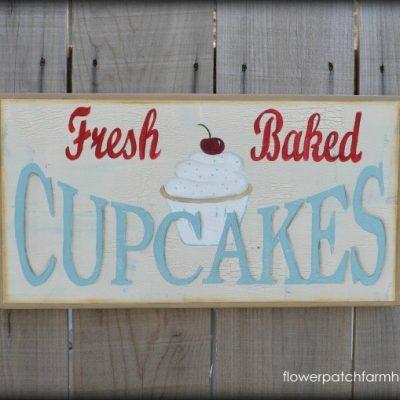 Paint a Vintage Fresh Cupcake sign!