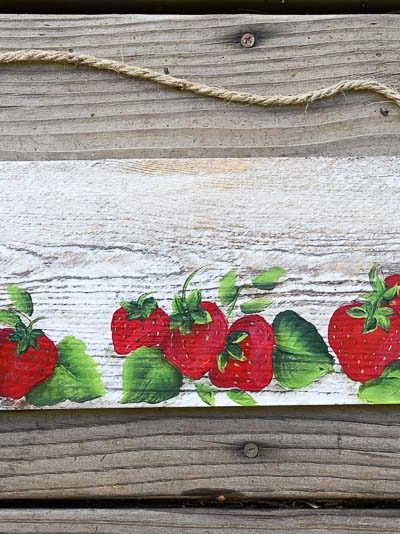 Pallet plank with hand painted strawberries